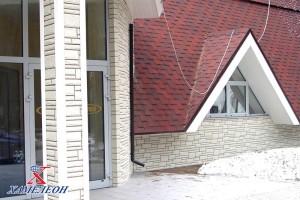 треугольные окна первого этажа